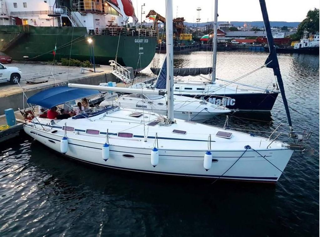 Разходка с яхта във Варненския залив